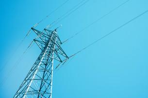青空と電柱の写真素材 [FYI01207445]