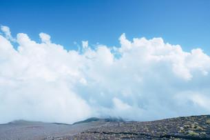 富士山5合目の雲の写真素材 [FYI01207450]