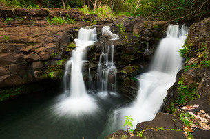 流れる滝の写真素材 [FYI01207600]