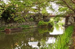 近江八幡の町並み 八幡掘の風景の写真素材 [FYI01208089]