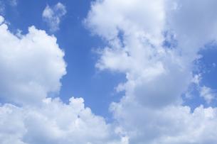 青空と雲の写真素材 [FYI01208469]