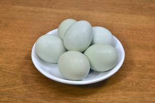 青い卵の写真素材 [FYI01208533]