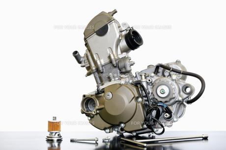 単気筒エンジンの整備の写真素材 [FYI01209592]