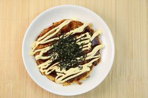 山芋のお好み焼きの写真素材 [FYI01209872]