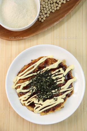 山芋のお好み焼きの写真素材 [FYI01209877]