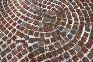 レンガが敷かれた歩道の写真素材 [FYI01209935]