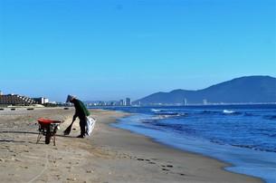 ベトナムの海岸の写真素材 [FYI01210129]