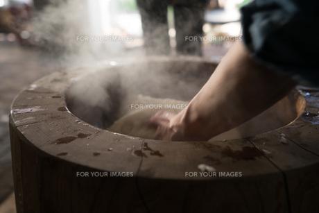 餅つき1の写真素材 [FYI01211124]