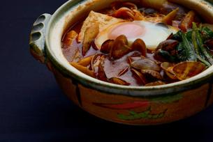 韓国料理 スンドゥブの写真素材 [FYI01211192]