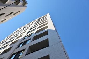 都内の新築マンションの写真素材 [FYI01211731]