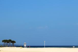 リゾートの静かなビーチの写真素材 [FYI01211798]
