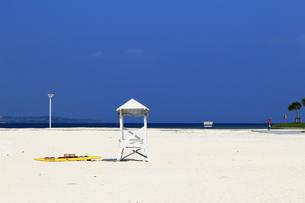 リゾートの静かなビーチの写真素材 [FYI01211799]