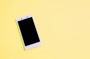 スマートフォン シンプルコレクション カラーバリエーションの写真素材 [FYI01211935]