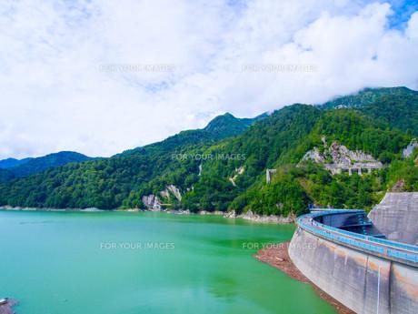 黒部ダムの写真素材 [FYI01212000]