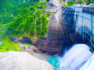 黒部ダムの写真素材 [FYI01212003]