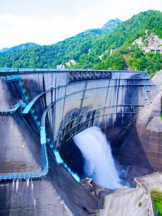 黒部ダムの写真素材 [FYI01212055]