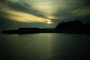 伊勢志摩白浜海岸(夕景)の写真素材 [FYI01212325]