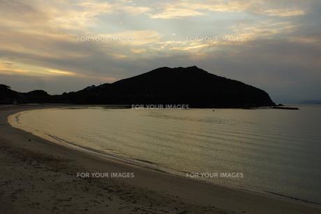 伊勢志摩白浜海岸(夕景)の写真素材 [FYI01212326]