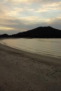 伊勢志摩白浜海岸(夕景)の写真素材 [FYI01212328]