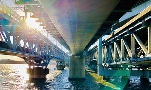 under bridgeの写真素材 [FYI01212755]