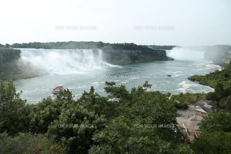 ナイアガラの滝の写真素材 [FYI01213220]