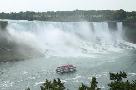 ナイアガラの滝の写真素材 [FYI01213221]