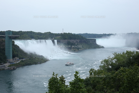 ナイアガラの滝の写真素材 [FYI01213229]