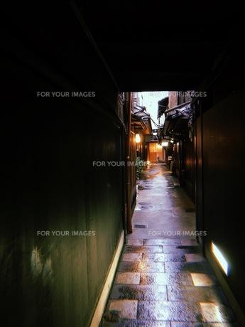 路地の写真素材 [FYI01214252]