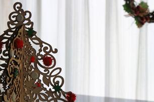 クリスマスのシンプルなデコレーションの写真素材 [FYI01214520]