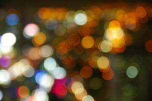 丸ぼけの夜景の写真素材 [FYI01214726]