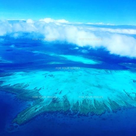 飛行機から見た海の写真素材 [FYI01215000]