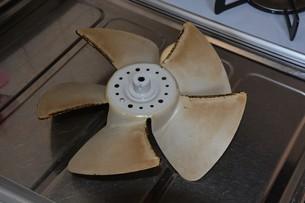 換気扇清掃・ハウスクリーニングの写真素材 [FYI01215052]