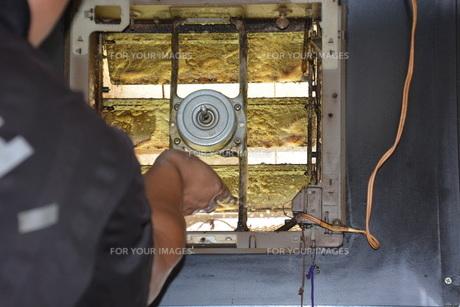 換気扇清掃・ハウスクリーニングの写真素材 [FYI01215058]