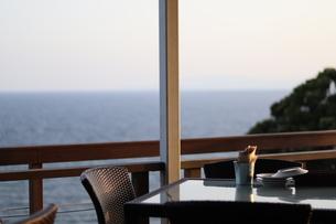 鎌倉にカフェでの夕日の写真素材 [FYI01215197]