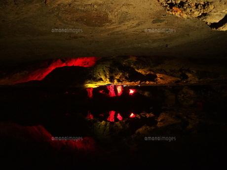 洞窟の写真素材 [FYI01215363]