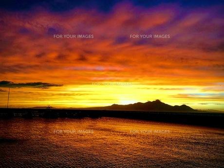 夕陽の写真素材 [FYI01215434]