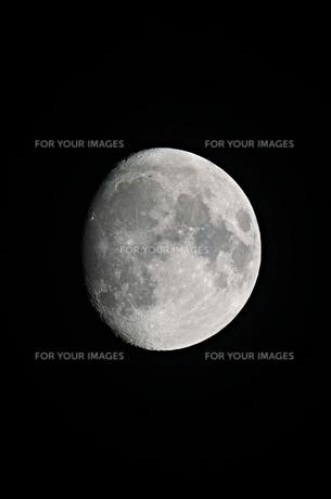 十三夜の月の写真素材 [FYI01215836]
