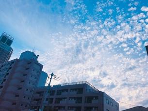 ビルと空の写真素材 [FYI01215889]