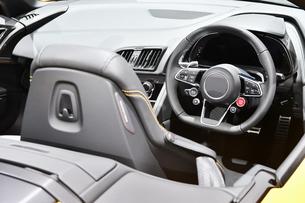 輸入車の運転席の写真素材 [FYI01216022]