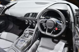 輸入車の運転席の写真素材 [FYI01216023]