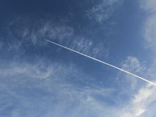 飛行機雲の写真素材 [FYI01216472]