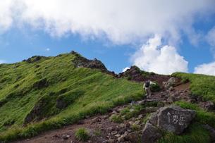 駒ケ岳という山の登山道ですの写真素材 [FYI01217112]