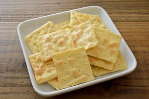 チーズクラッカーの写真素材 [FYI01217618]