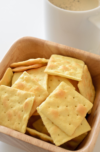 チーズクラッカーの写真素材 [FYI01217624]