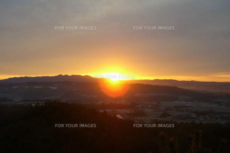 田舎の夕暮れの写真素材 [FYI01218302]