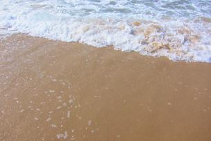 波打ち際の写真素材 [FYI01219311]