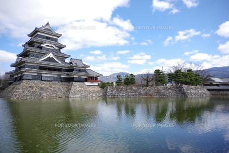 松本城の写真素材 [FYI01220265]