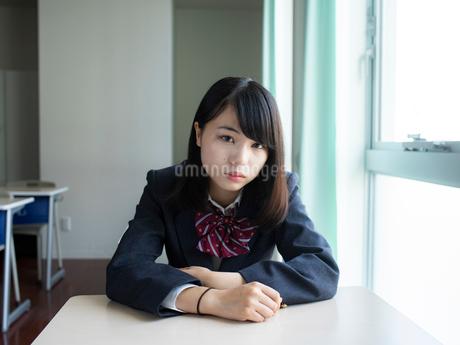 教室の女子高校生の写真素材 [FYI01220710]