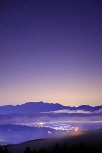 霧ヶ峰の星空の写真素材 [FYI01221128]