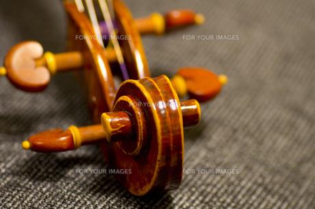 バイオリンのヘッドの写真素材 [FYI01221201]